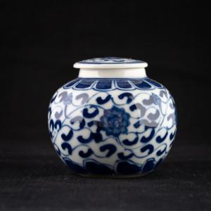 Qinghua round jar