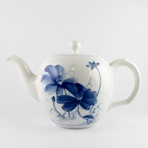 Qinghua lotus big teapot