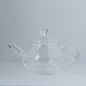 Petite théière en verre