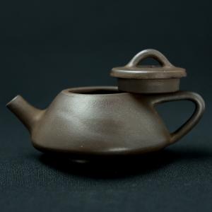 Yixing dark zisha tiny Shipiao Teapot