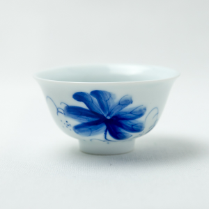 Qinghua lotus tea cup