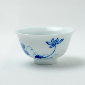 Qinghua lotus tea cup