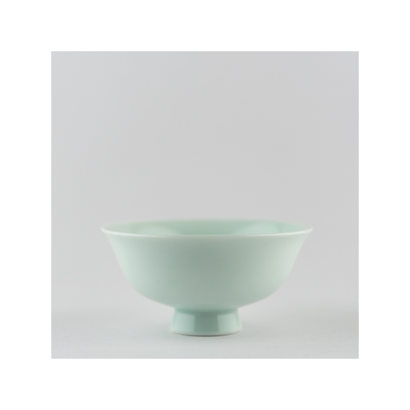 Light celadon singing cup