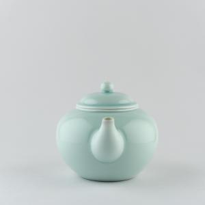 Théière en porcelaine céladon clair