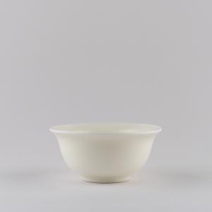 Coupe petite en porcelaine blanche ivoire
