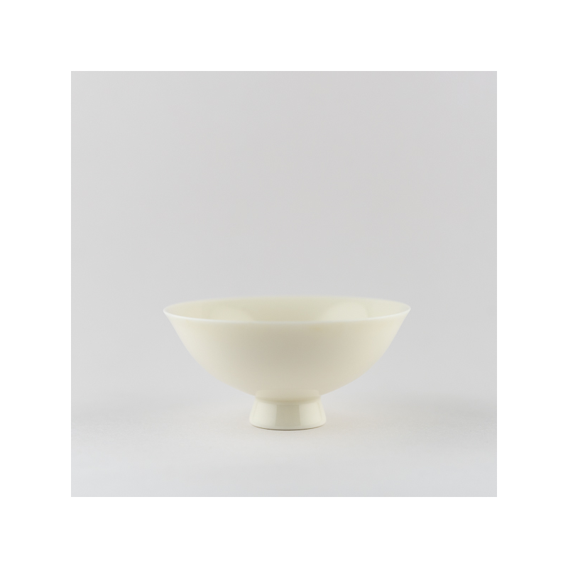 Ivory white singing cup