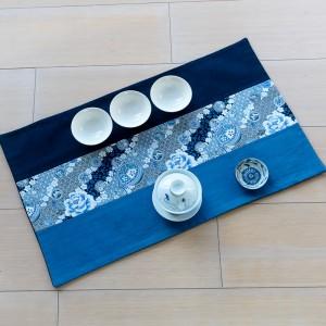 Variations de bleu et de blanc